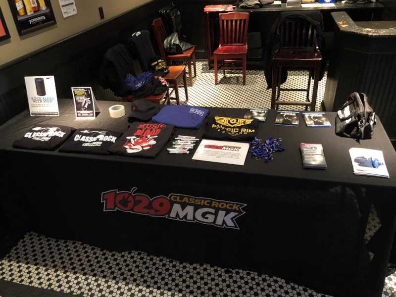 Steve Vassalotti and the WMGK Rock Squad were at PJ Whelihan's to cheer on our Birds. WMGK gave away lots of fun prizes!