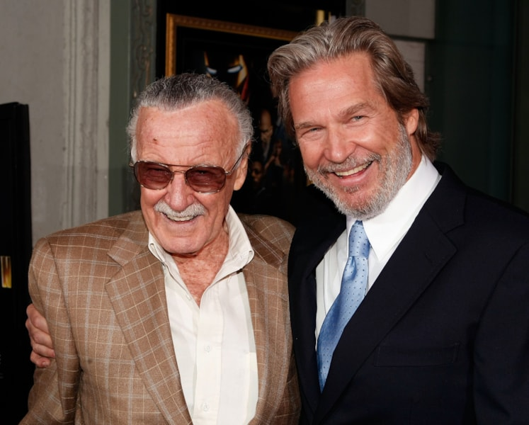 """HOLLYWOOD - APRIL 30:  Executive producer Stan Lee (L) and actor Jeff Bridges arrive at the premiere of Paramount's """"Iron Man"""" held at Grauman's Chinese Theatre on April 30, 2008 in Hollywood, California.  (Photo by Kevin Winter/Getty Images)"""