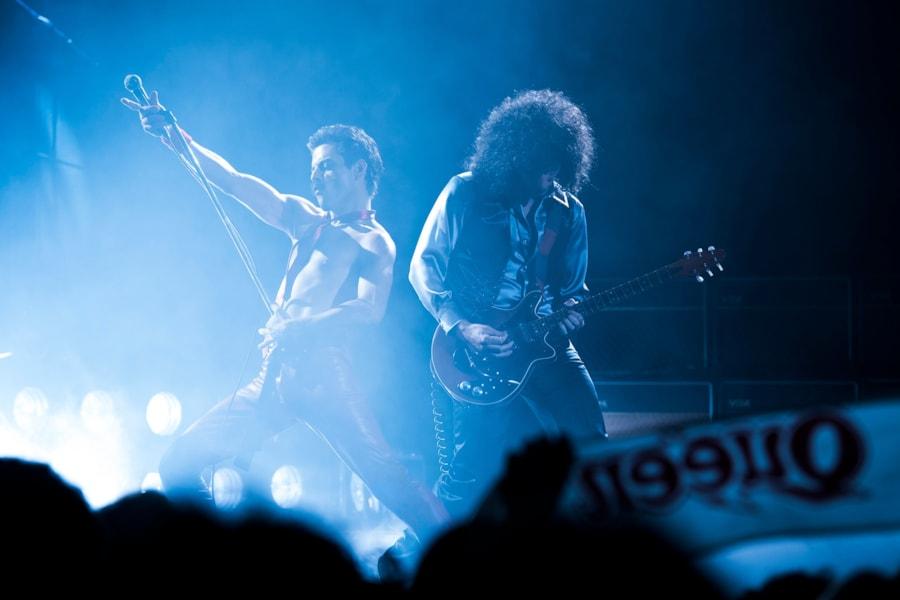 R– Rami Malek (Freddie Mercury) and Gwilym Lee (Brian May) star in Twentieth Century Fox's BOHEMIAN RHAPSODY.