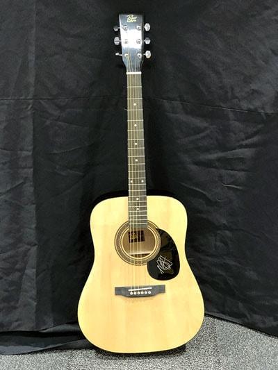 miranda lambert autographed guitar